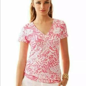 3 FOR $40 • Lilly Pulitzer Michele V-Neck T-Shirt